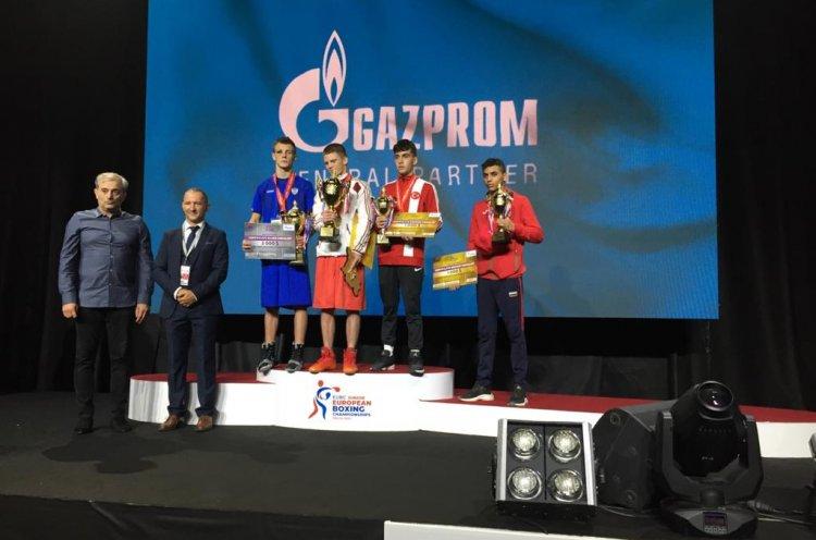 Приморец Иван Чиндыков завоевал серебряную медаль первенства Европы по боксу