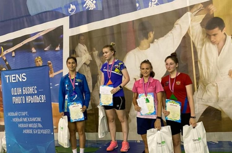 Воспитанницы приморского бадминтона успешно выступили на всероссийском турнире