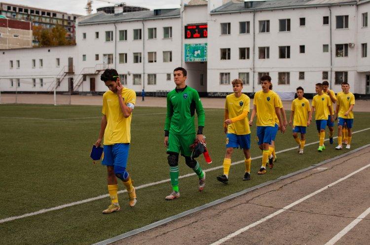 Команда КСШОР борется за победу в Дальневосточной юношеской футбольной лиге